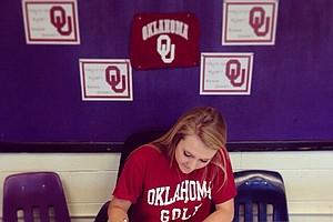Rylee Pedigo signed with Oklahoma on Wednesday.