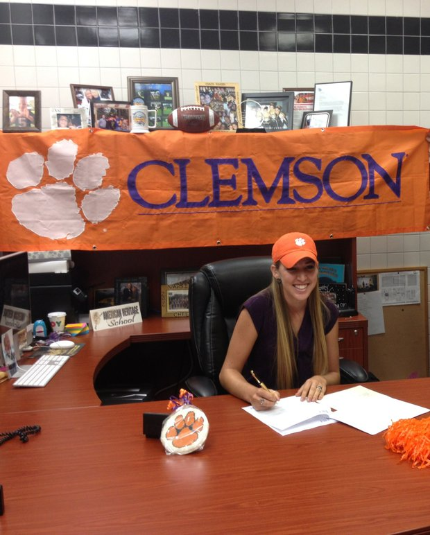 Marisa Messana signed with Clemson.