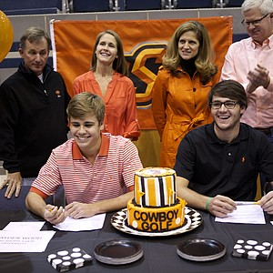 Hayden Wood, left, and Nick Heinen signed with Oklahoma State.