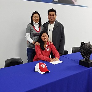 Megan Thothong signed with Houston.