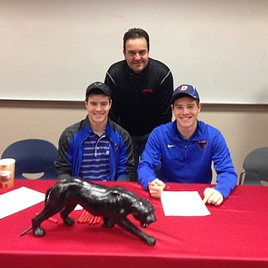 Bobby Thomas (left) and Freddy Thomas signed with DePaul.