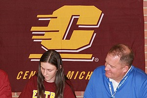 Amanda Walsh signed with Central Michigan.