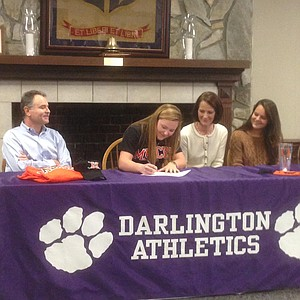 Hannah Mae Deems signed with Mercer.