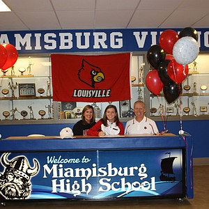 Molly Skapik signed with Louisville.