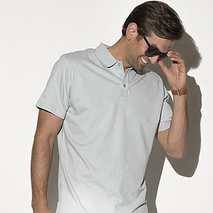 A brand new apparel, Devereux, uses the best fabrics and manufacturers around the world. Devereux's style is fashion friendly with a twist of bright confidence to bring out confidence in men. It maintains is masculinity with added some flare with color. The Lindley is a classic three-button pique polo with a ribbed cut away collar. Price: $79.99