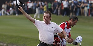 5 Things: Jimenez wins Hong Kong playoff