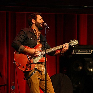Singer/Songwriter Josh Kelley, rehearses at David Feherty Live at Universal's Sound Stage 20, during a dress rehearsal for the live shows.