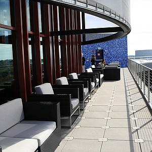 The outside sitting area of Fragmentary Blue, the rooftop bar, at the the lodge at Streamsong.