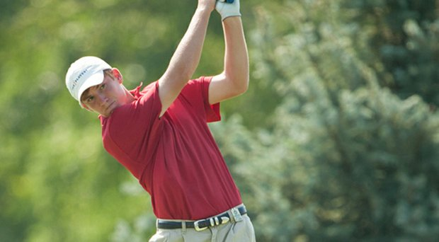Alabama freshman Robby Shelton shot an even-par 72 in the first round of the Southern Highlands Collegiate Masters.