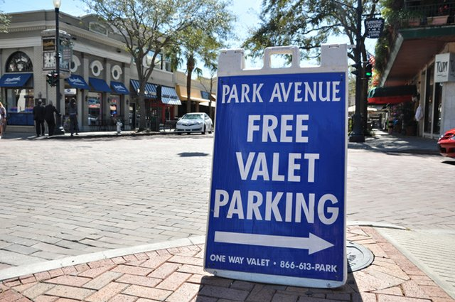 Winter Park may get fewer signs in response to citizen complaints.