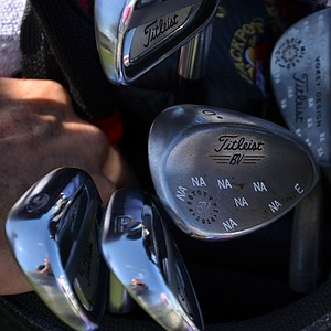 """Kevin Na's Titleist Vokey Design Spin Milled wedges have been """"snowflaked"""" with NAs."""