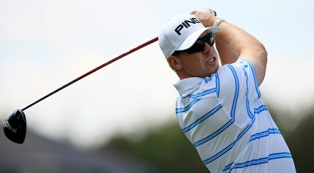 Hunter Mahan withdrew from Bay Hill on Sunday, citing a sore back.
