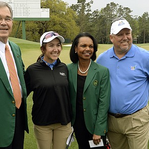 Augusta National member and former Secretary of State Condoleezza Rice poses with Masters chairman Billy Payne (left), Hunter Pate (Drive, Chip & Putt Girls 14-15 winner) and Pate's father, Jack, on Sunday in Augusta, Ga.