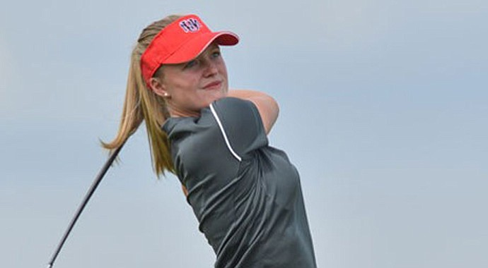 Manon DeRoey helped New Mexico move into first place at the Mountain West Conference Championship.