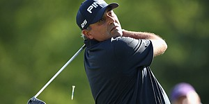 5 Things: Cabrera, Flores share Wells Fargo lead
