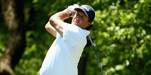5 Things: Mickelson cards 63; Holmes takes lead
