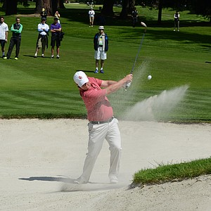 Oklahoma's Michael Gellerman hits a bunker shot on the eighth hole on Saturday.