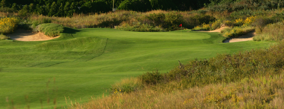 The 18th hole at Prairie Dunes CC in Hutchinson, Kan., host of the 2014 NCAA Men's Division I Championship.