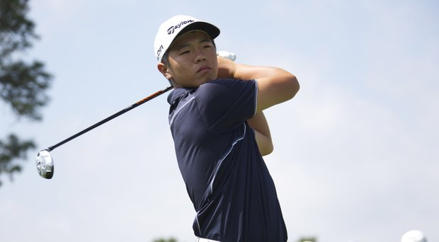 Andy Zhang took the lead through one round of the Thunderbird International Junior.
