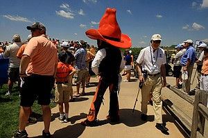 Oklahoma State's Pistol Pete takes it all in near the first tee during Wednesday's match-play final of the NCAA Men's Division I Championship between Alabama and Oklahoma State at Prairie Dunes Country Club in Hutchinson, Kan.