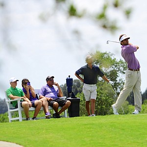 Curtis Thompson hits his tee shot on the par-3 16th during the first round of the U.S. Open Sectional Qualifier at Quail Valley in Vero Beach, Fla.