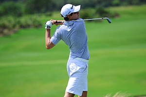 Nicolas Echavarria hits his tee ball at the par-3 16th hole during the first round of the U.S. Open Sectional Qualifier in Vero Beach, Fla.
