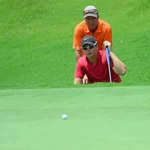 Sam Horsfield lines up a birdie putt on the 18th green during the first round of the U.S. Open Sectional Qualifier at Quail Valley in Vero Beach, Fla.
