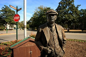 Statue of Donald Ross in the heart of the Pinehurst Village.
