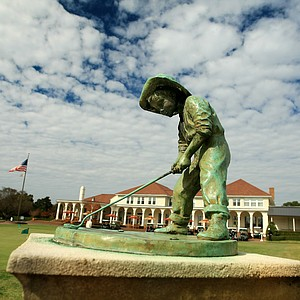 Putter Boy statue at Pinehurst Resort.