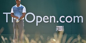 PHOTOS: 2014 British Open, Thursday