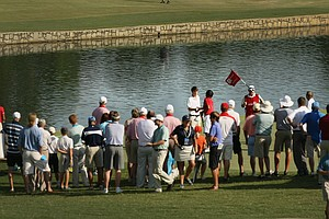 Gunn Yang defeated Ollie Schniederjans during the round of 16 at the 2014 U.S. Amateur at the Atlanta Athletic Club.