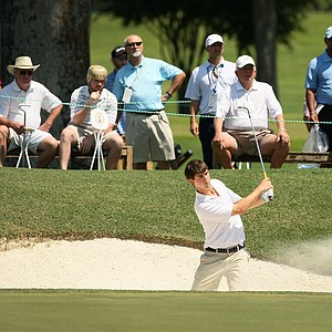 Ollie Schniederjans hits a bunker shot at No. 18 during the round of 32 at the 2014 U.S. Amateur at the Atlanta Athletic Club.