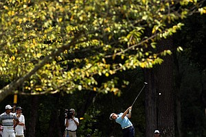 Cameron Young hits his tee shot at No. 14 during the quarterfinals at the 2014 U.S. Amateur at the Atlanta Athletic Club