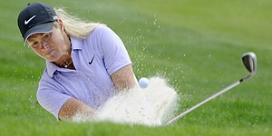Pettersen makes charge in Portland, shares lead