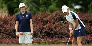 "Auburn keeps lead at ""Mo""Morial; Szeryk fires 65"