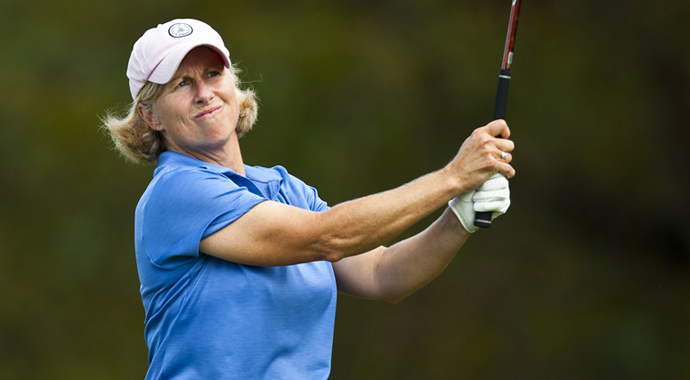 Ellen Port and Brenda Pictor lead stroke-play qualifying at the 2014 U.S. Senior Women's Amateur Championship in Deal, N.J.