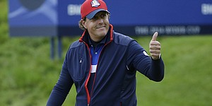 Mickelson's comment fuels tabloid headlines