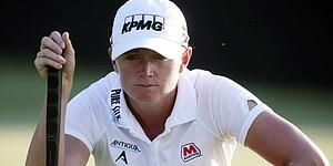 Reignwood LPGA Classic: Lewis leads in Beijing