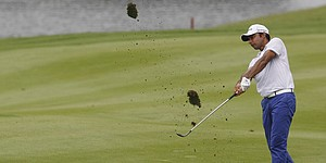 Randhawa takes lead at Hong Kong Open