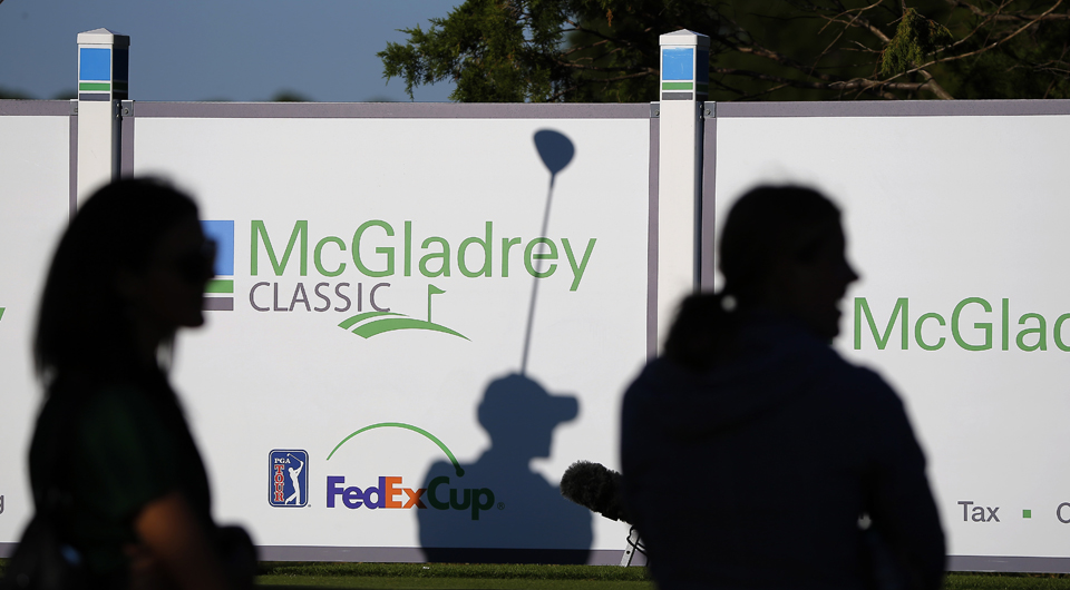 Russell Henley fired a 7-under 73 Friday to grab the 36-hole lead at the McGladrey Classic. Here's how it happened.