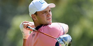 Martin Kaymer hits 232-yard drive ... with a putter