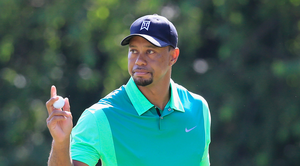 Tiger Woods announced Saturday via Twitter that he has chosen Chris Como to be his new swing coach.