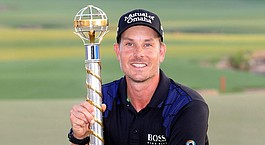 Stenson climbs to No. 2 afte