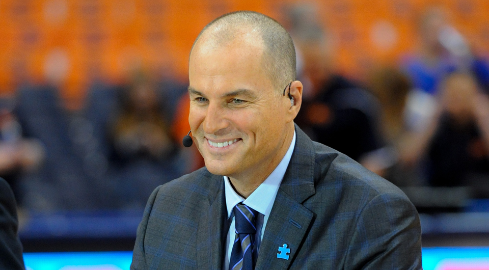 ESPN basketball analyst Jay Bilas says that the U.S. Ryder Cup team can learn from the rise of USA basketball.