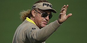 Jimenez chooses Bobby Jones as apparel provider