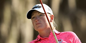 Stacy Lewis shoots 73, leads LPGA Thailand by a shot