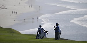 Low scores, perfect weather abound at Pebble Beach
