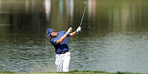 VIDEO: Ernie Els' up-and-down triple bogey at Bay Hill