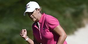 Healthy and wielding new clubs, Cristie Kerr shines early at LPGA season finale