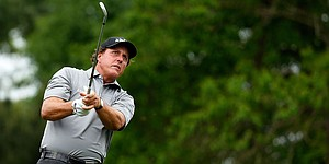 Mickelson excels at Shell Houston Open with crisp short game